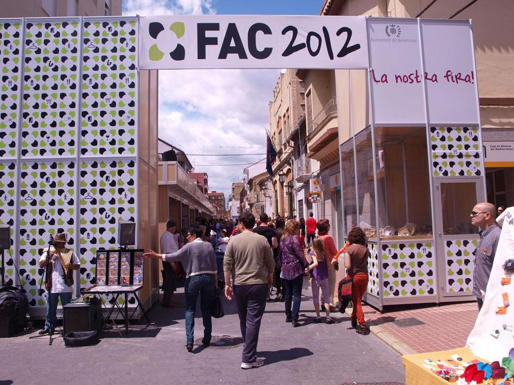 La IV Feria Asociativa y Comercial de Benetússer