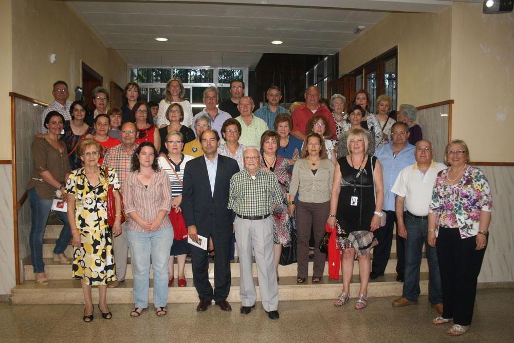 Los artistas participantes con el Alcalde Rafael Pérez.