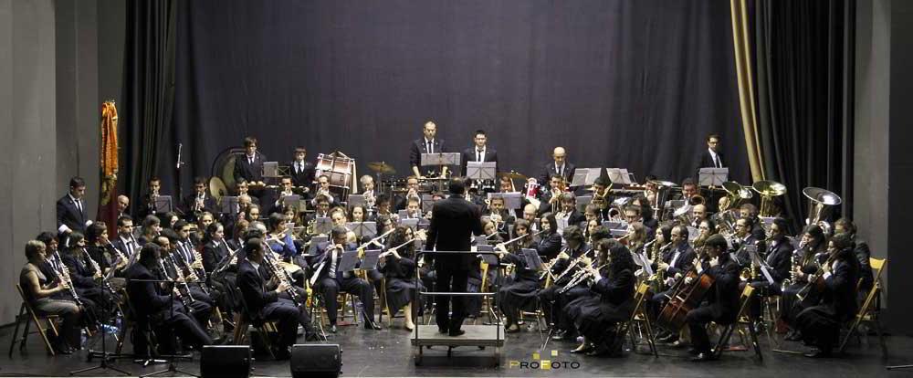 "Ocho músicos se incorporan a la Banda ""Lira Almussafense"" de Almussafes"