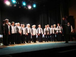 Los mayores de Benetússer celebran su tradicional festival de villancicos y teatro