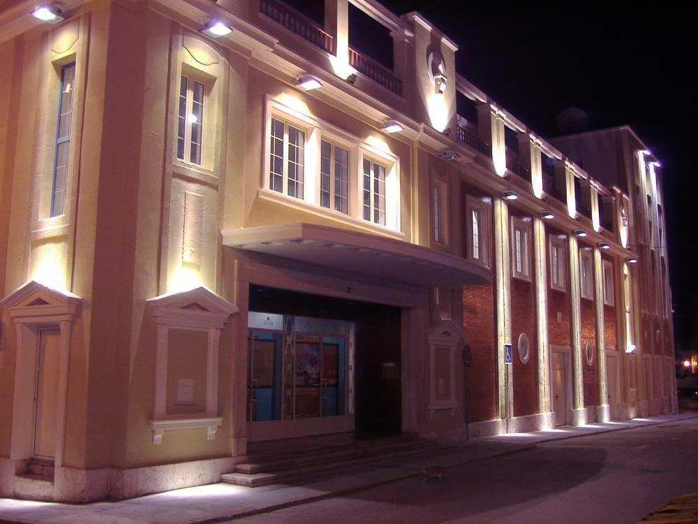 El Teatro Astoria proyectará las películas de estreno